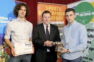2016 sportMoray Awards Evening at Elgin Town Hall. Senior Team Award Presented by: Neil Urquhart (HR & Compliance Director Gordon & MacPhail) Winner: The Moray Gig Picture: Daniel Forsyth. Image No.035757